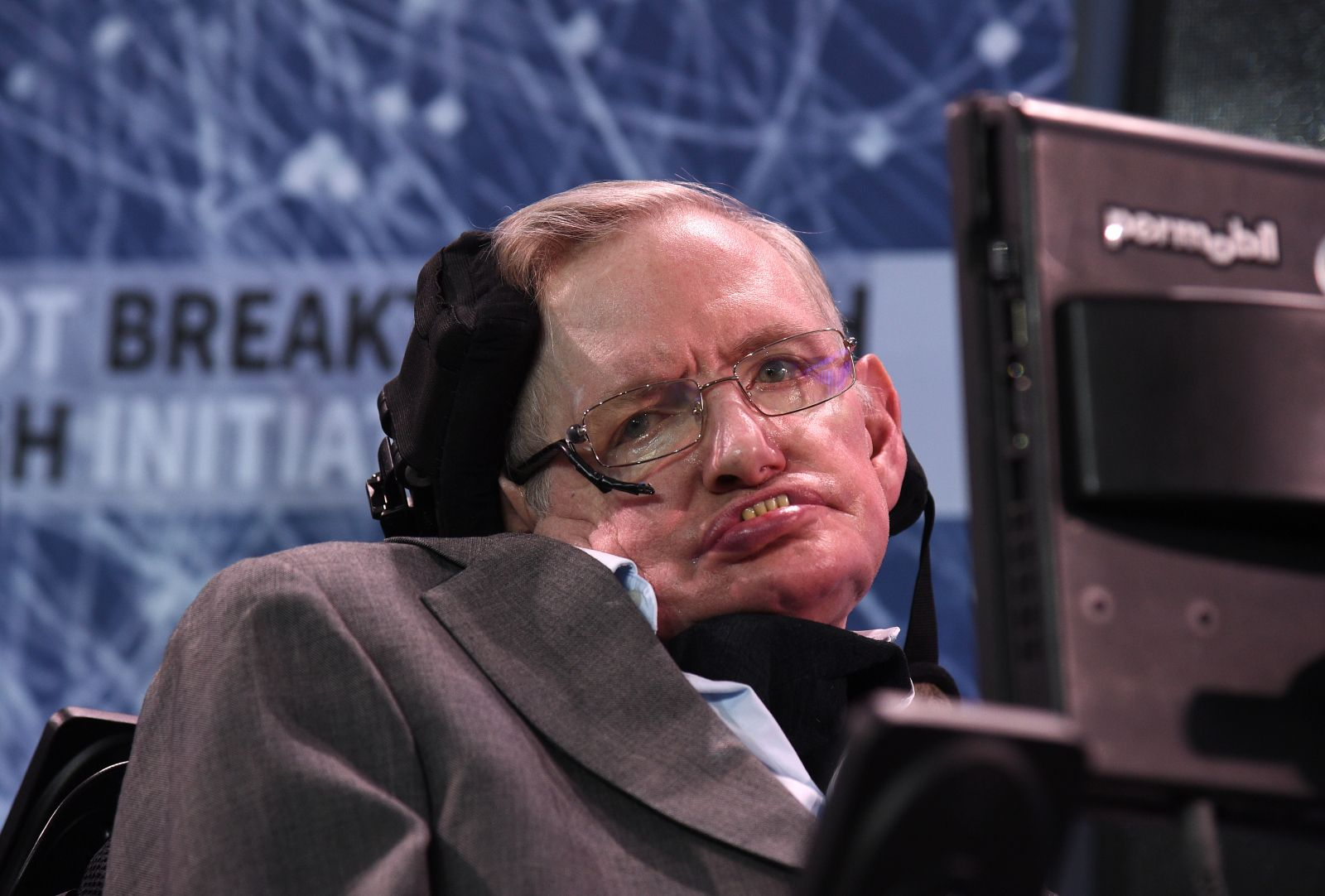 Stephen Hawking S Six Wildest Predictions From 2017—From A Robot