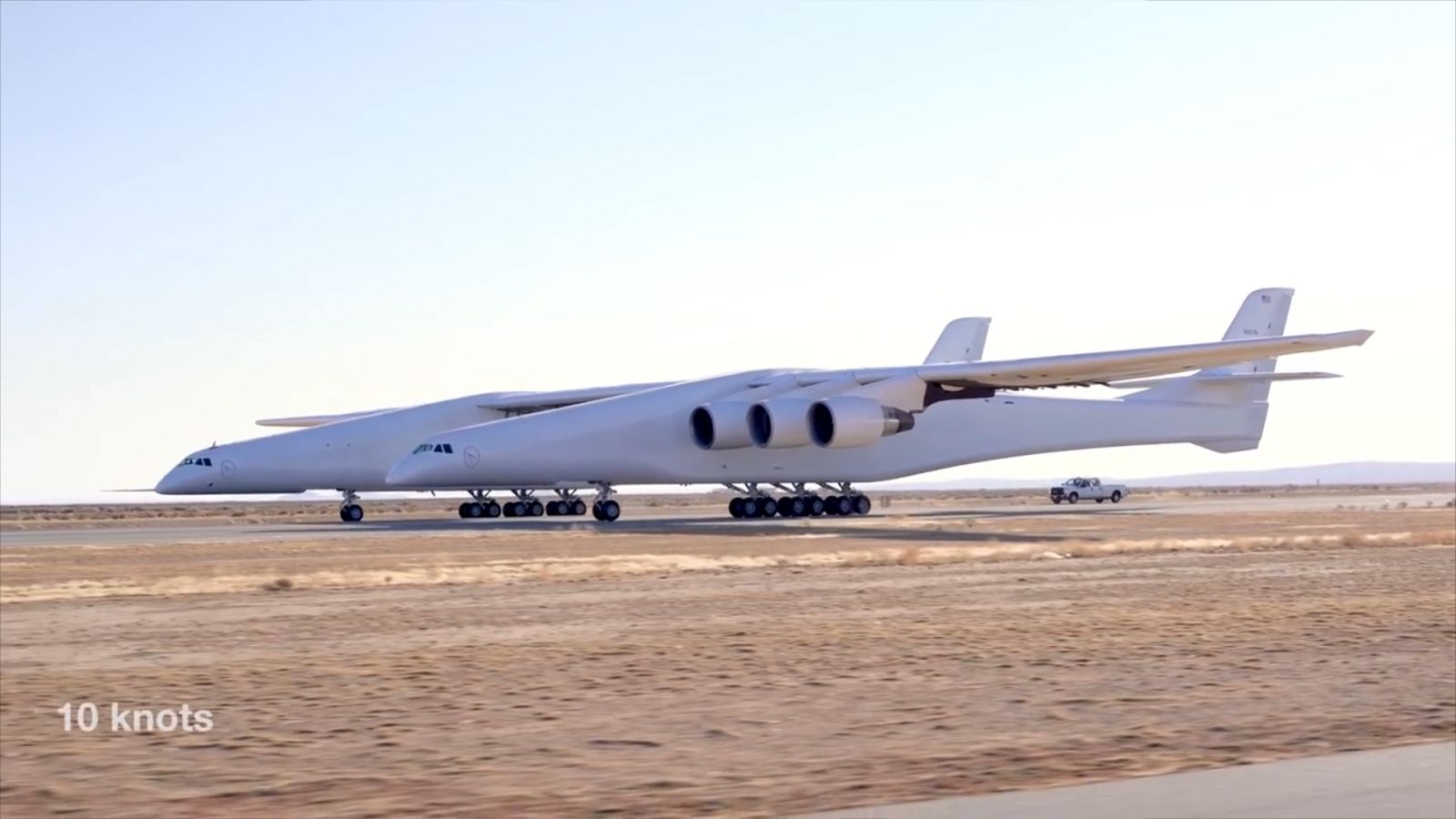 watch-stratolaunch-the-worlds-biggest-plane-as-it-goes-through-its-first-taxi-test