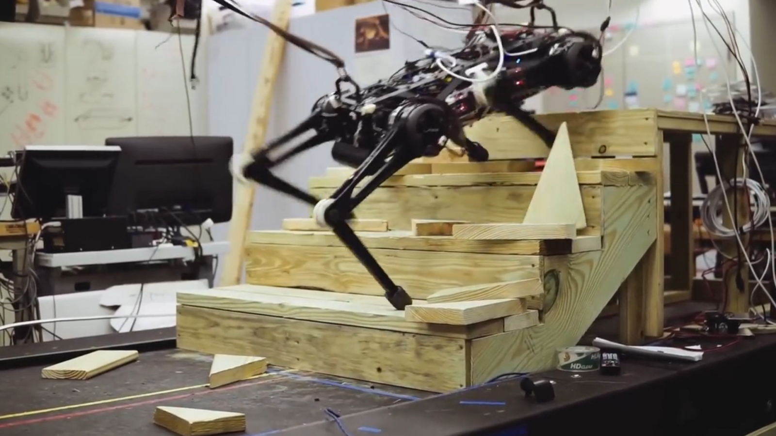 mits-cheetah-3-robot-can-run-up-stairs-without-watching-its-steps